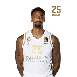 POSTAL REAL MADRID BALONCESTO 2019/2020 MICKEY